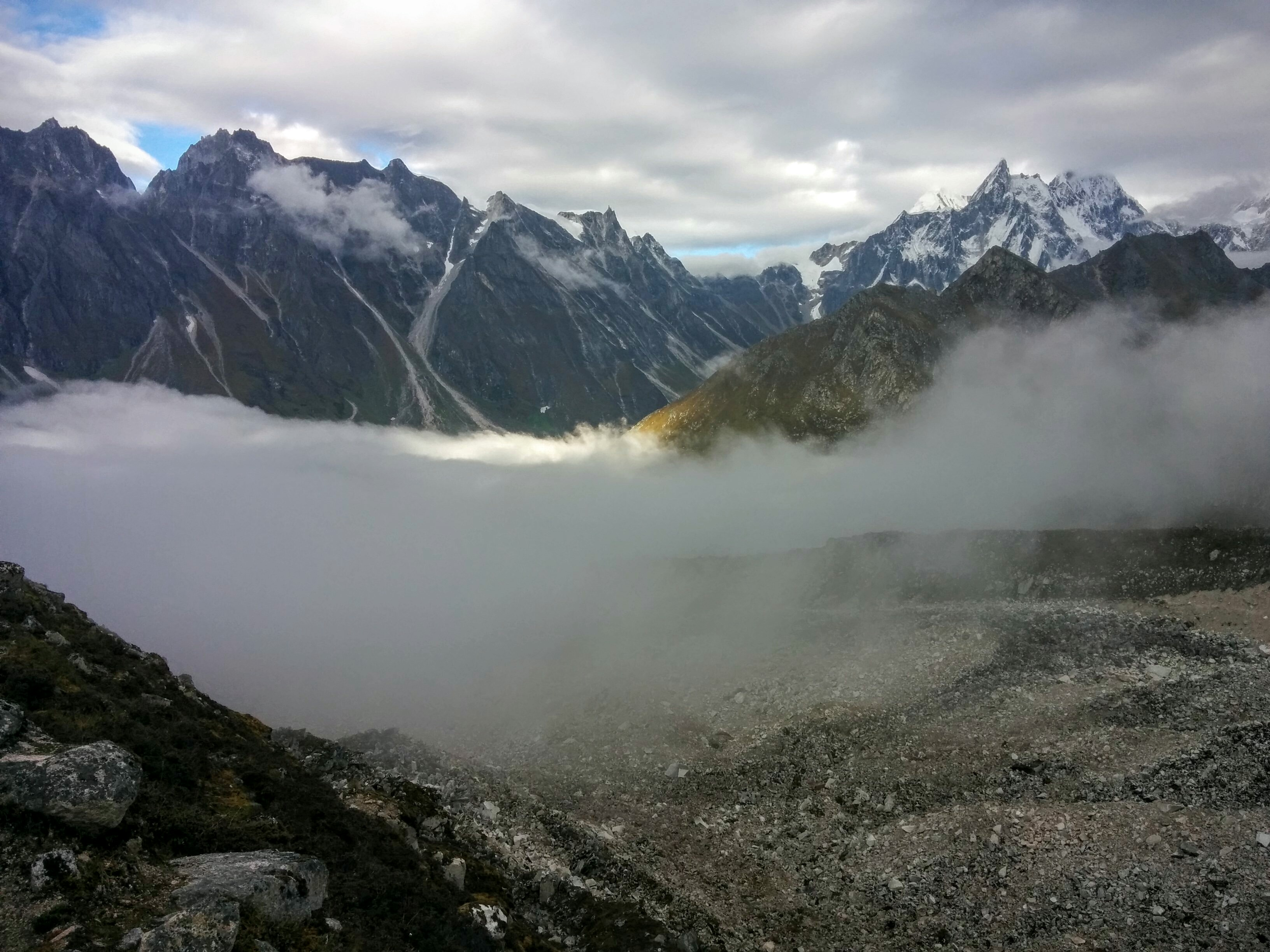 One of my views en route up Larke La as the clouds were rolling in.