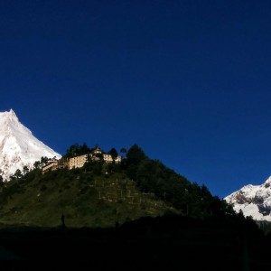 manaslu after earthquake